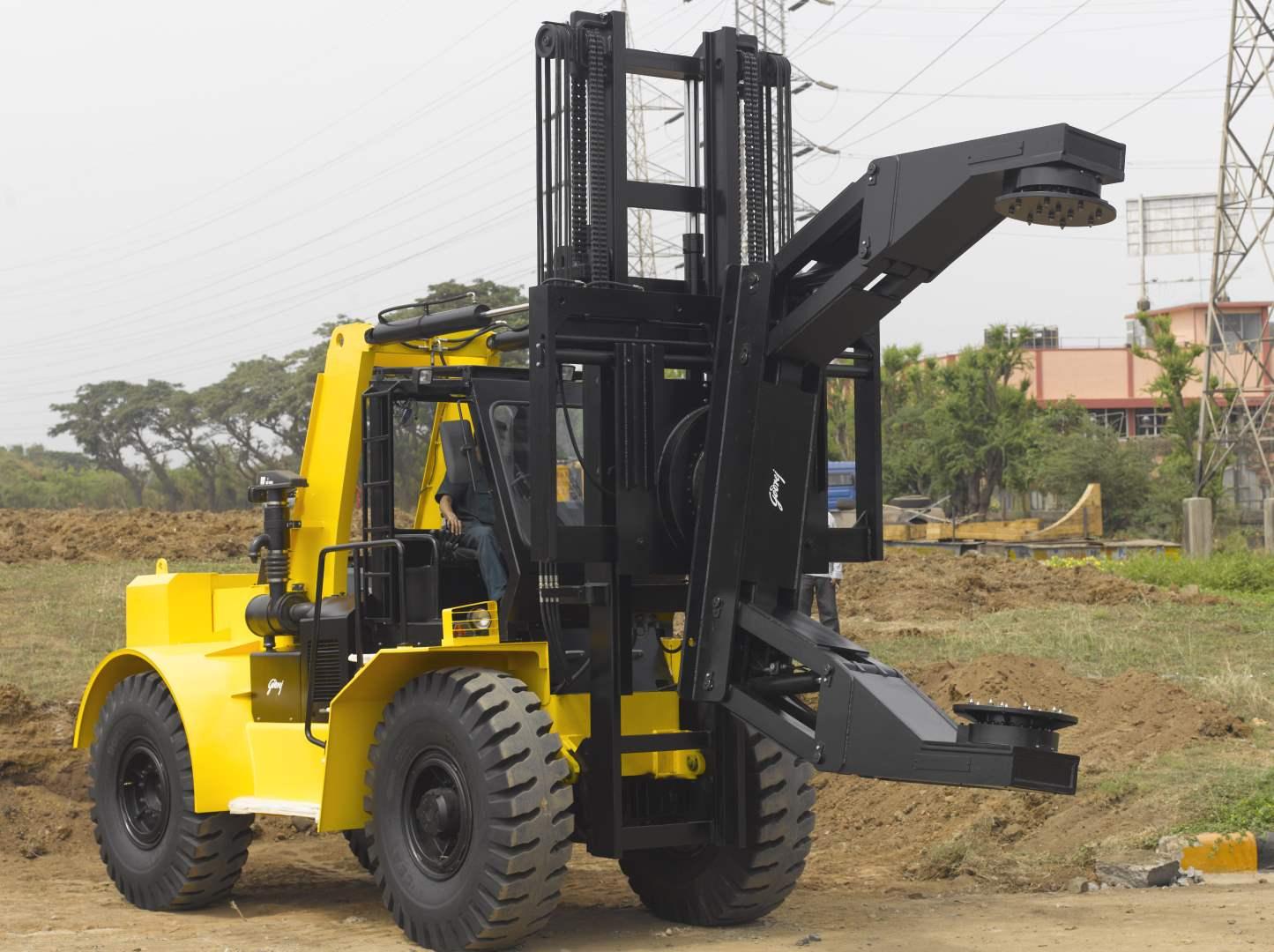 0-5-to-3-5-tonne-Godrej-Tyre-Handler