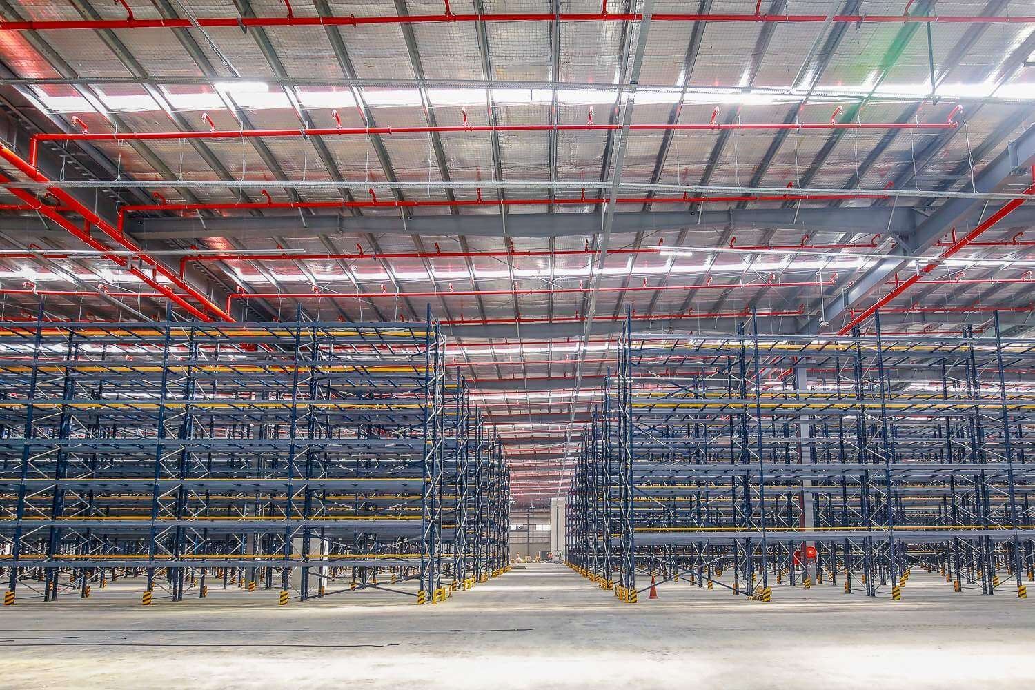 Selective pallet racking-1