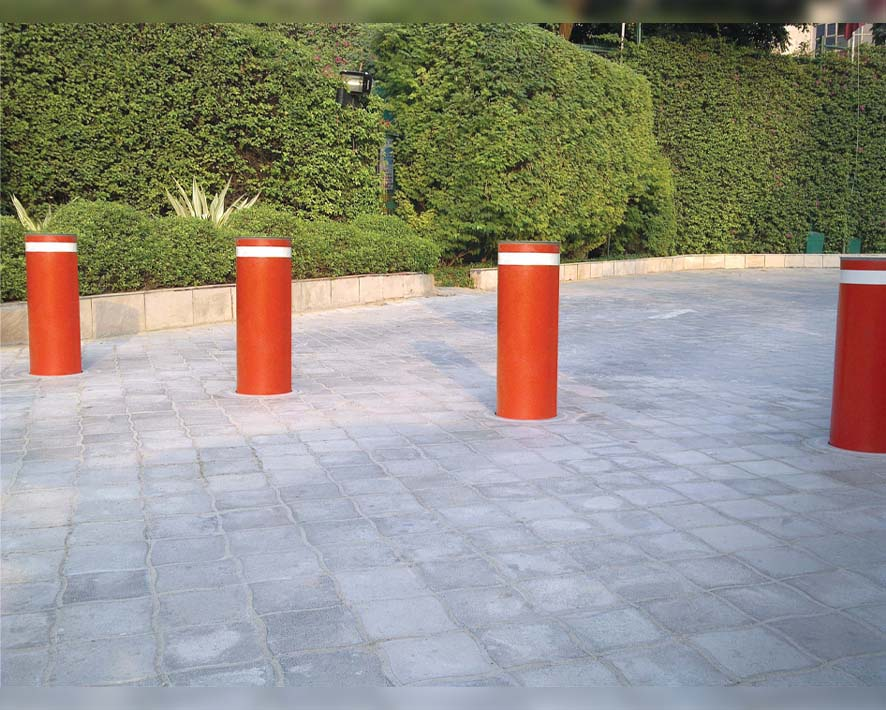 Blocking-Bollards.